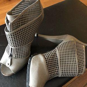 Simply Vera Vera Wang Shoes - Simply Vera wang heels